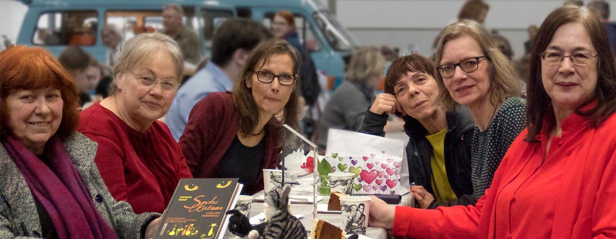 Marianne Kaindl erhielt für Katzenkrimi auf der Buchmesse den Indie Autor Community-Preis 2018